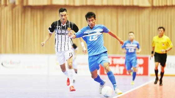Thái Sơn Nam (phải) tiếp tục có chiến thắng hủy diệt 6-0 trước đối phương. Ảnh: Dũng Phương
