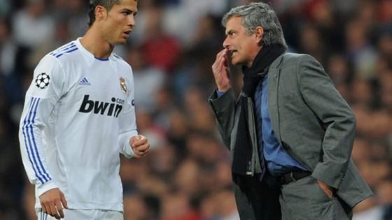 Ronaldo (trái) và Jose Mourinho đều đang phải đối mặt với cáo buộc trốn thuế.