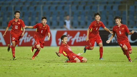 Tinh thần U15 Việt Nam đang hưng phấn trước trận chung kết.          Ảnh: VFF