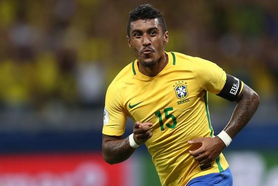 Paulinho vừa ăn mừng bàn thắng mới nhất cùng tuyển Brazil.