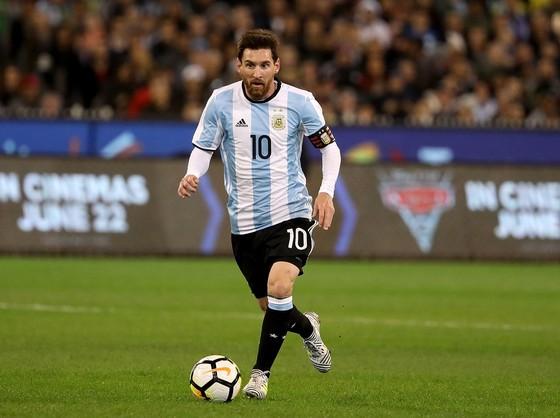 Lionel Messi đang chịu quá nhiều áp lực ở tuyển Argentina. Ảnh: Getty Images
