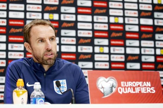 HLV Gareth Southgate hài lòng khi hoàn thành mục tiêu đầu tiên. Ảnh: Getty Images