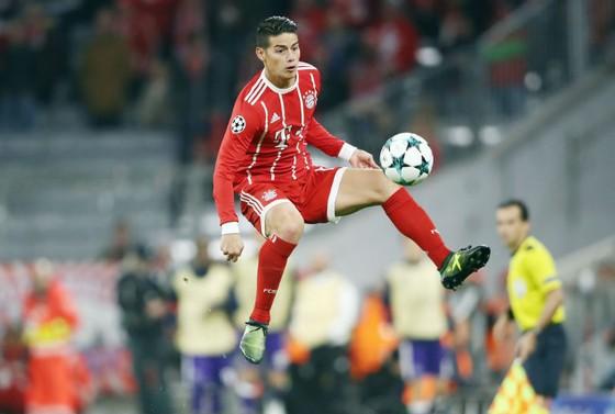 James Rodriguez cần phải nhanh chóng nói được tiếng Đức để hòa nhập với môi trường mới tại Bayern Munich. Ảnh: Getty Images