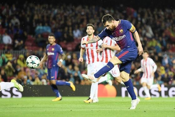 Messi đang bị quá tải. Ảnh: Getty Images