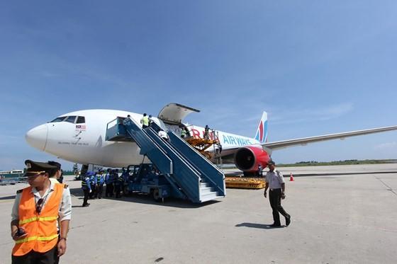 Hàng cứu trợ từ Cộng đồng ASEAN đến Việt Nam ảnh 1