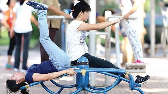 Tập thể dục trong công viên