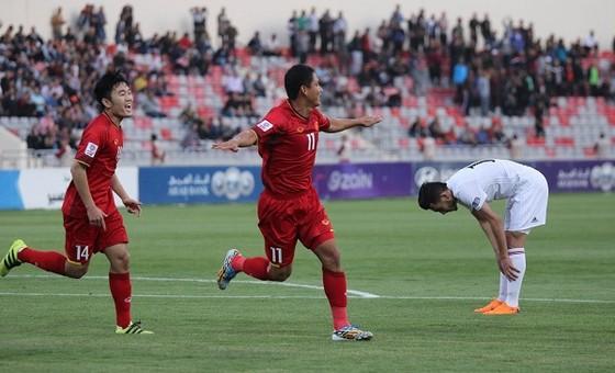 Anh Đức ghi bàn, tuyển Việt Nam giành 1 điểm tại Jordan  ảnh 1