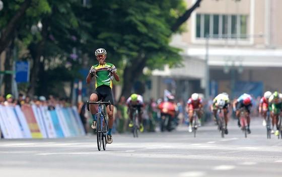 """Nguyễn Cường Khang vượt đàn anh thắng chặng 1 """"về Trường Sơn""""  ảnh 5"""