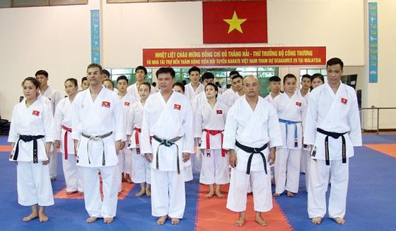 Võ sĩ karatedo Việt Nam luyện tập quên ngày nghỉ ảnh 4