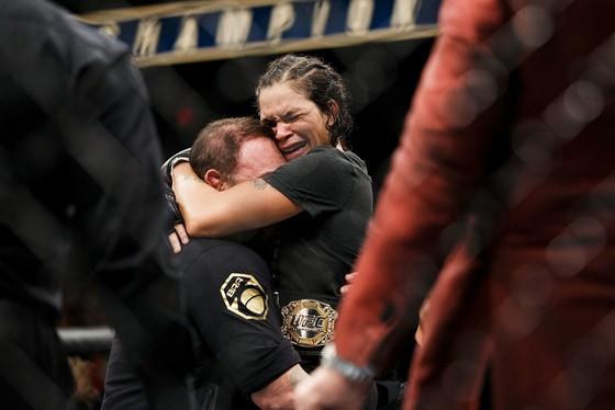 Đấu trường UFC: Chiến thắng tranh cãi của Nunes trước Shevchenko ảnh 1