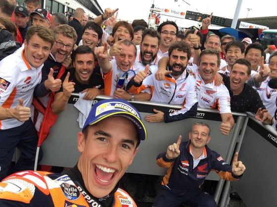 Đăng quang ở San Marino, Marquez vượt mặt Dovizioso ảnh 3