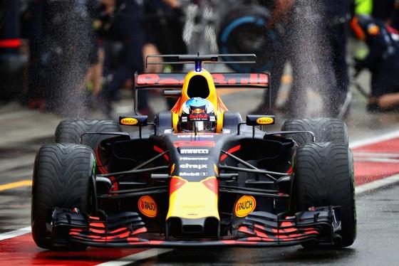 """Daniel Ricciardo: """"Muốn giữ tôi lại, Red Bull phải vô địch"""" ảnh 1"""