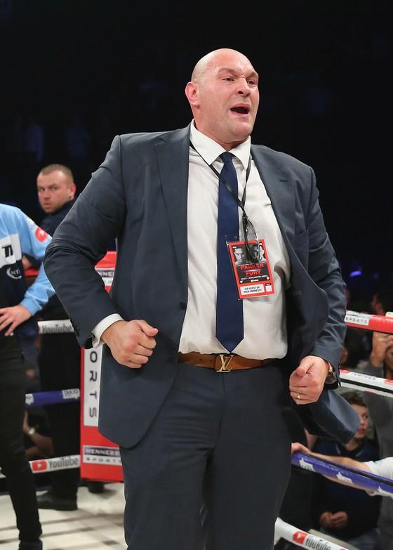 """Tyson Fury: """"Sẽ có 3 trận đấu lớn vào năm 2018"""" ảnh 1"""