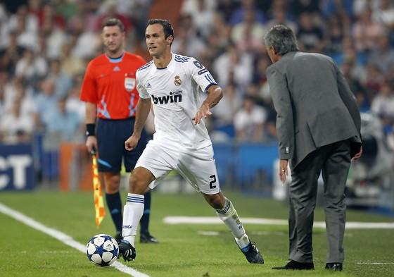 Carvalho lãnh án 7 tháng tù giam vì trốn thuế ảnh 1