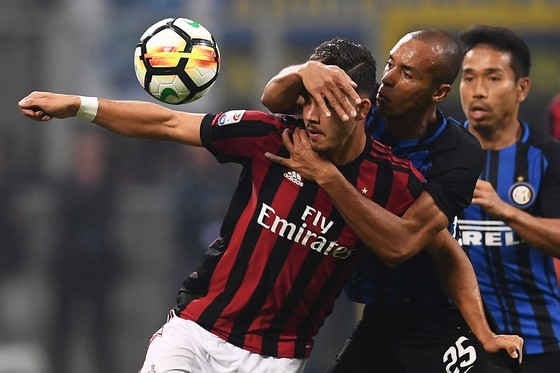 Inter vất vả vượt qua Milan ở phút cuối ảnh 2