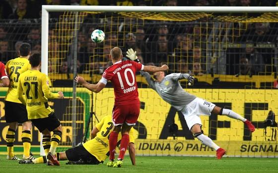 Bundesliga, Vòng 11: Bayern vùi dập chủ nhà Dortmund 3-1 ảnh 1