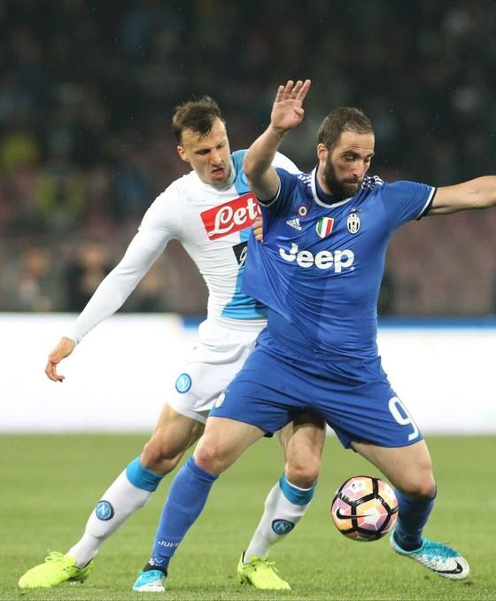 """Serie A đại chiến: Higuain đối đầu Napoli, sự thật hay chỉ là """"đòn gió"""" ảnh 2"""