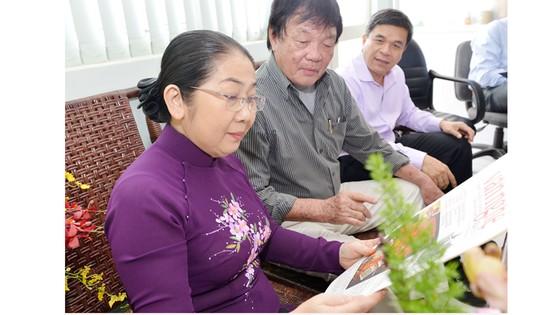 Báo chí góp phần thúc đẩy kinh tế, xã hội TPHCM phát triển ảnh 2