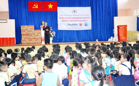 Hội Chữ thập đỏ TPHCM chung sức xây dựng nông thôn mới ảnh 2