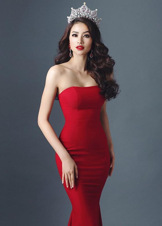 Sơn Tùng, Tóc Tiên hội ngộ Phạm Hương trong đêm bán kết Hoa hậu Hoàn vũ Việt Nam 2017 ảnh 6