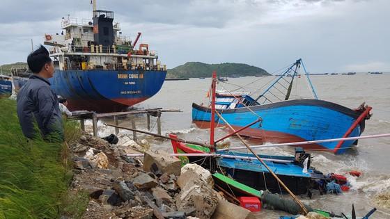 Quảng Bình: Hàng chục tàu chìm trong vịnh Hòn La ảnh 2