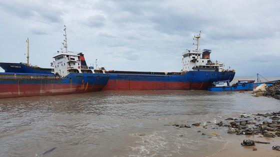 Quảng Bình: Hàng chục tàu chìm trong vịnh Hòn La ảnh 3