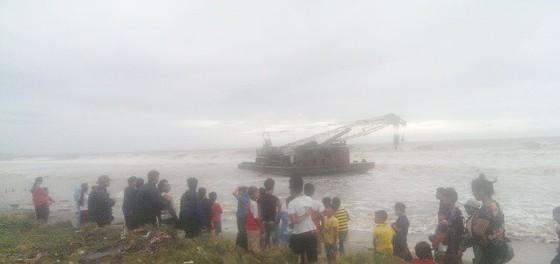 Quảng Bình: Hàng chục tàu chìm trong vịnh Hòn La ảnh 10