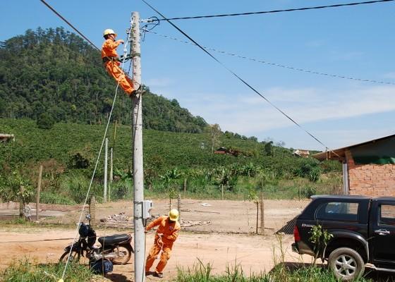 Cấp điện cho 7 thôn cuối cùng tại Lâm Đồng ảnh 1