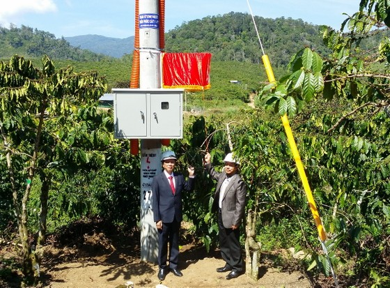 Cấp điện cho 7 thôn cuối cùng tại Lâm Đồng ảnh 2