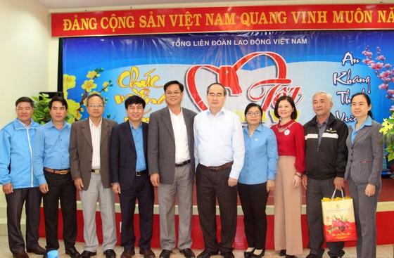 Bí thư Thành ủy TPHCM thăm, chúc Tết tặng quà cho người nghèo, nạn nhân da cam tại Phú Yên ảnh 7
