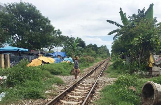 Băng qua đường sắt, một phụ nữ bị tàu hỏa tông chết ảnh 1