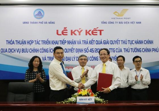 Đà Nẵng ký kết với VNPOST để đơn giản thủ tục hành chính công  ảnh 1