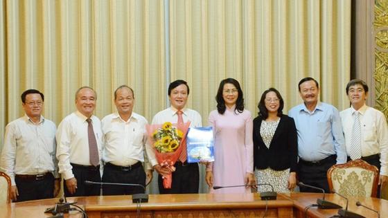 Đồng chí Phùng Công Dũng giữ chức Chủ nhiệm Ủy ban về người Việt Nam ở nước ngoài TPHCM   ảnh 1