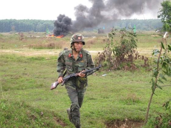 TPHCM diễn tập bắn đạn thật ảnh 7