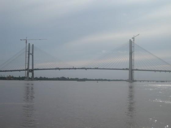 Ngày 29-9, hợp long cầu Vàm Cống bắc qua sông Hậu ảnh 1