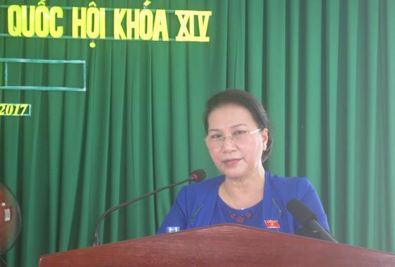 Chủ tịch Quốc hội Nguyễn Thị Kim Ngân tiếp xúc cử tri Cần Thơ  ảnh 2