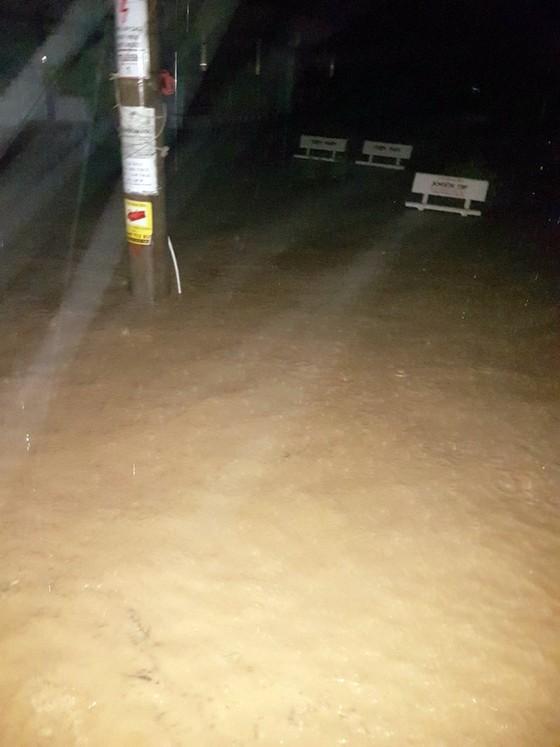 Kiên Giang: Hàng trăm nhà dân xã đảo Lại Sơn bị ngập do mưa bão ảnh 1