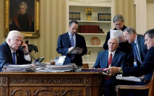 Trump lúng túng trong cuộc gọi đầu tiên với Putin ảnh 1