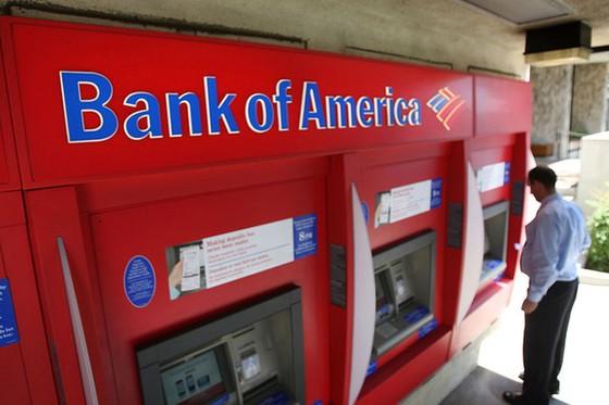 """Ngân hàng Mỹ """"kiếm đậm"""" nhờ phí ATM ảnh 1"""