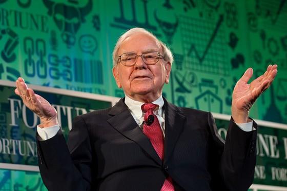Warren Buffett bán toàn bộ CP Walmart ảnh 1