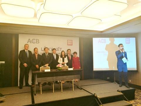 ACB và MoMo hợp tác chiến lược ảnh 1