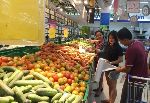 Siêu thị, chợ Sài Gòn thưa khách 30 Tết ảnh 1