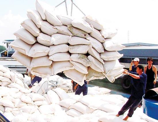 Gạo Việt chịu sức ép khi Thái Lan xả kho ảnh 1