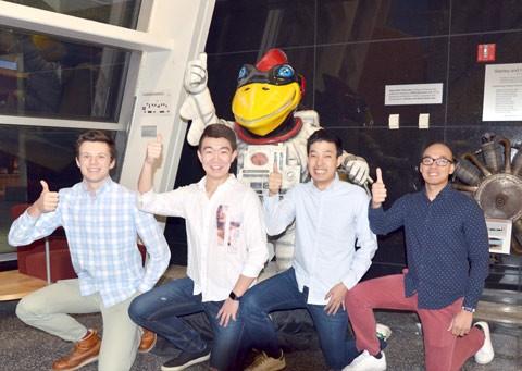 Sinh viên người Việt lọt vòng 2 Fly Your Ideas ảnh 1