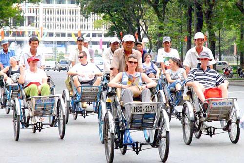 Khách quốc tế đến Việt Nam tăng 42,2% ảnh 1