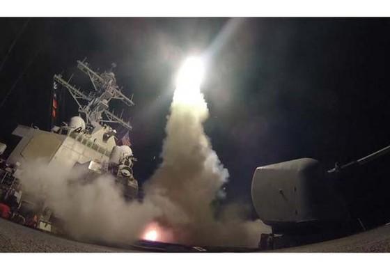 Mỹ tấn công tên lửa vào căn cứ quân sự Syria ảnh 1