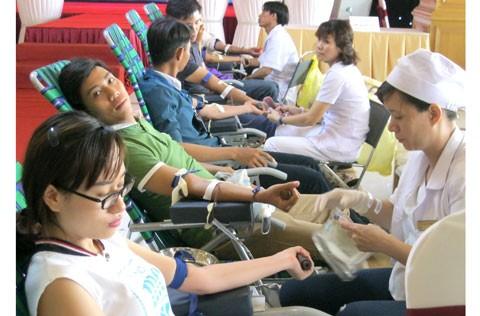 400 CNV Long Biên hiến máu nhân đạo ảnh 1
