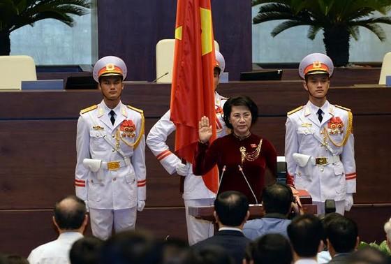 Chủ tịch Quốc hội Nguyễn Thị Kim Ngân tuyên thệ nhậm chức ảnh 1