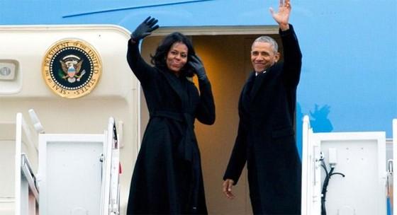 Vợ chồng Obama ngày càng giàu hơn ảnh 1