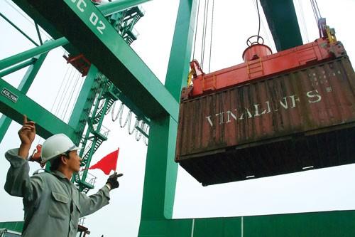Xuất khẩu 2012: Chủ động tháo gỡ, vượt qua thách thức ảnh 1